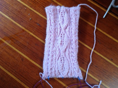 back/heel of sock - Leaf design.